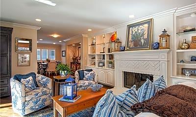 Living Room, 84 Blue Lagoon, 1