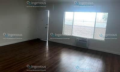 Living Room, 748 N Hudson Ave, 1