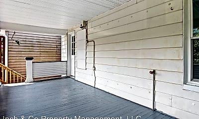 Patio / Deck, 130 W Main St, 2