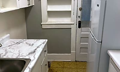Bathroom, 4822 Chicago St, 2