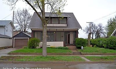 Building, 202 E 18th St, 0