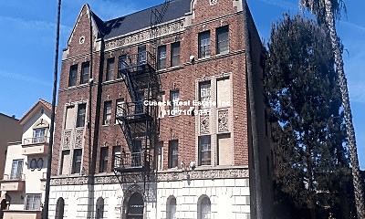 Building, 329 S Manhattan Pl, 0
