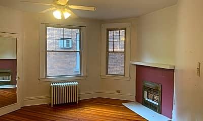 Living Room, 5739 1/2 Walnut St, 2