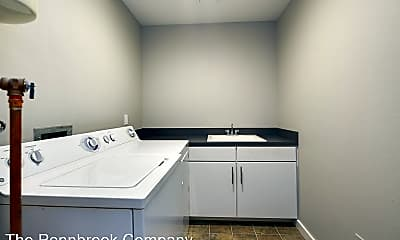 Bathroom, 1133 NW Wall St, 2