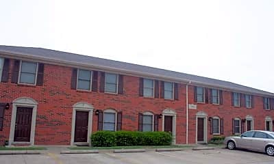Building, 104 Maple Hill Dr, 1