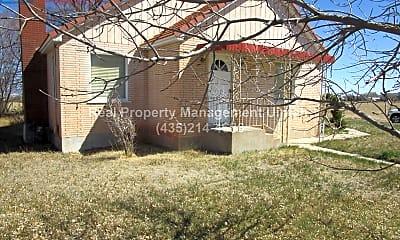 Building, 233 S 2500 W, 1