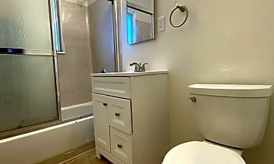 Bathroom, 4640 E 4th St, 2