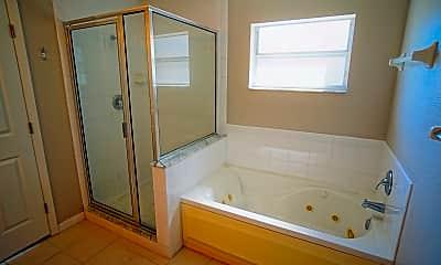 Bathroom, 2719 W Arch St, 2