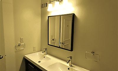 Bathroom, 715 Sherman St, 2