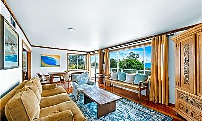 Living Room, 483 Aster St, 2