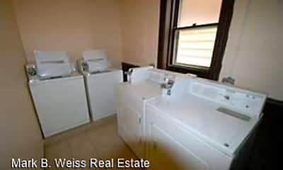 Bathroom, 929 W 35th Pl, 2