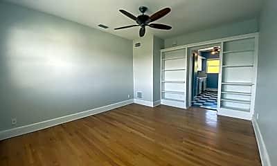 Living Room, 500 S Beach St, 1