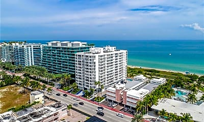 9341 Collins Ave 303, 2