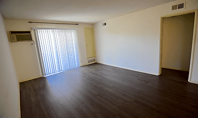 Living Room, 3111 S Canfield Ave, 1