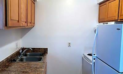 Kitchen, 3535 Mangrove Ave, 2