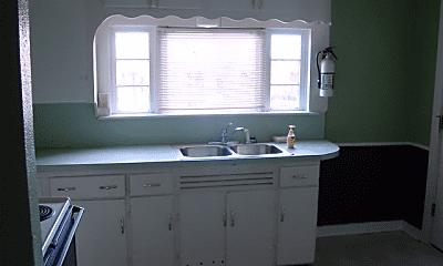 Bathroom, 401 Laramie St, 1