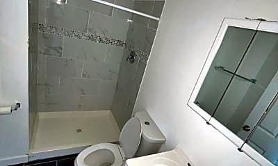 Bathroom, 3042 W Cullerton St, 1