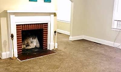 Living Room, 819 W Davidson Ave, 1