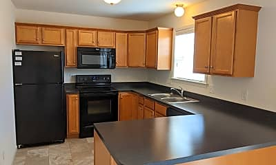 Kitchen, Fox Ridge Apartments and Townhomes, 2