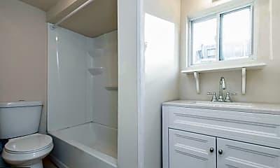 Bathroom, 1821 E Oakdale St, 2