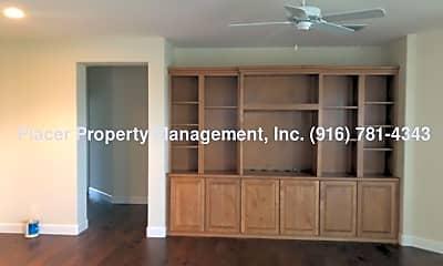 Living Room, 1155 Overland Ln, 2