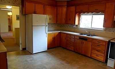 Kitchen, 1315 Lakeway Dr, 1
