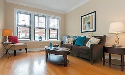 Living Room, 941 Chicago, 1