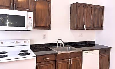 Kitchen, 2743 Pestalozzi St, 1