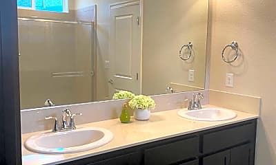 Bathroom, 650 White Eagle Ln, 2