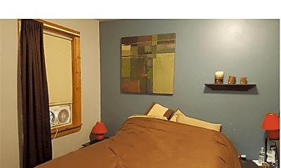 Bedroom, 15 N Main St, 2