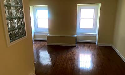 Living Room, 316 S 15th St, 1