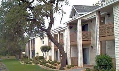 Glen Oaks Apartments, 1
