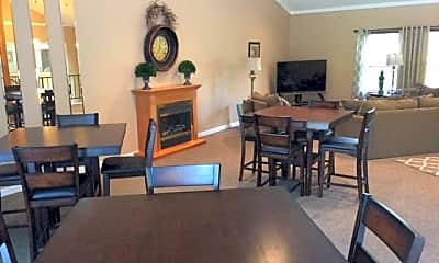 Cottonwood Creek Apartments, 1
