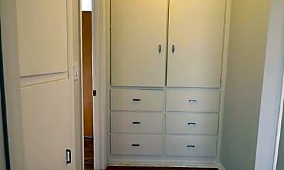 Bedroom, 2150 Barnes Blvd, 2
