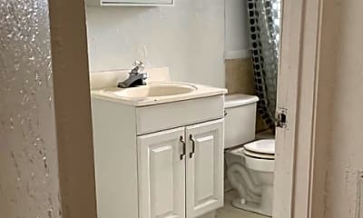 Bathroom, 3216 W Cervantes St, 2