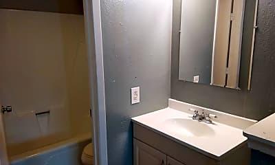 Bathroom, 3414 W Martin St, 2