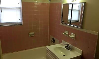 Bathroom, 114-120 Montgomery Street Apartments, 2