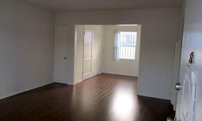 Living Room, 1217 Havenhurst Dr, 1