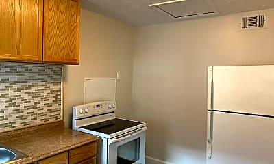 Kitchen, 1019 Park Lake St, 1