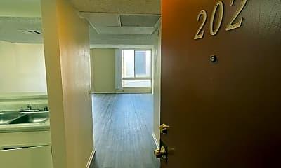 Building, 807 N Bunker Hill Ave, 1