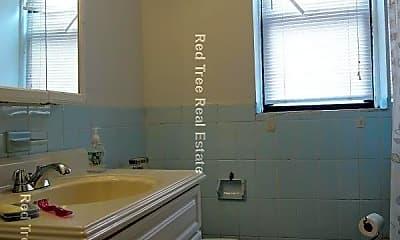 Bathroom, 1914 Beacon St, 2