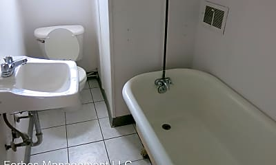 Bathroom, 625 Bellefonte St, 2