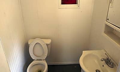 Bathroom, 2009 E Riverside Dr, 2