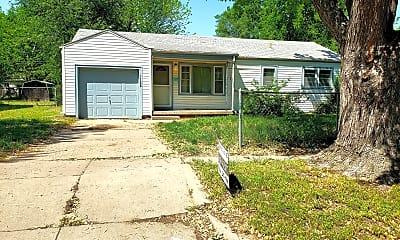 Building, 1138 Tulsa St E, 1