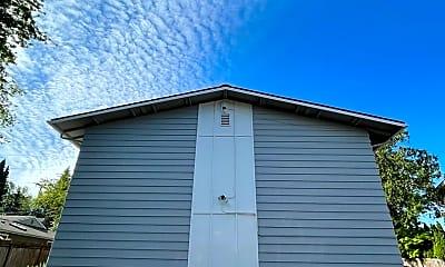 Building, 602 Kirkland Ave, 2