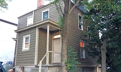 Building, 136 E Norwich Ave, 2