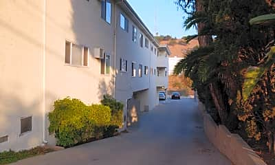 Lucerne Ave Apartments, 2