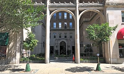 Rittenhouse Plaza, 1