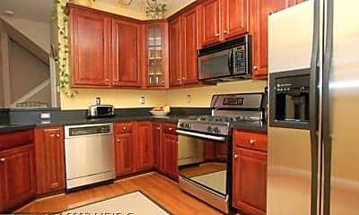 Kitchen, 5058 Kilburn St, 1