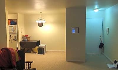 Living Room, 1319 Clayton Ct, 1